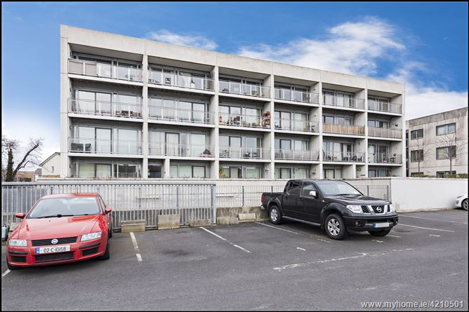 7 The Landey, Santry Cross, Ballymun,   Dublin 9