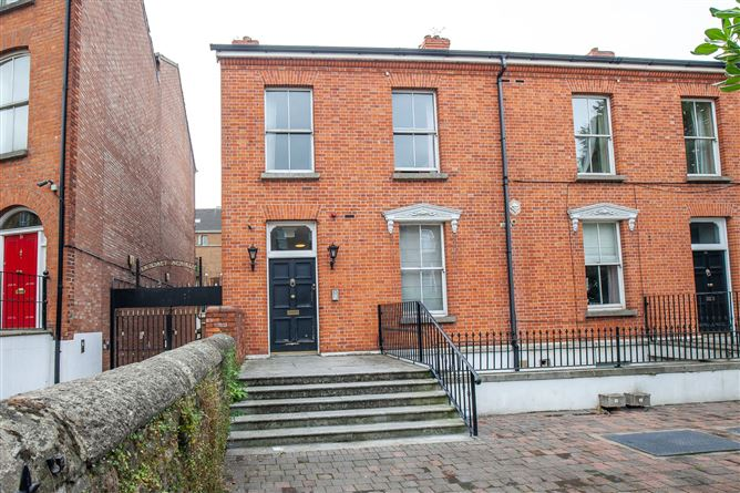 Main image for Apartment 7 32-33 Gardiner Street Upper, North City Centre, Dublin