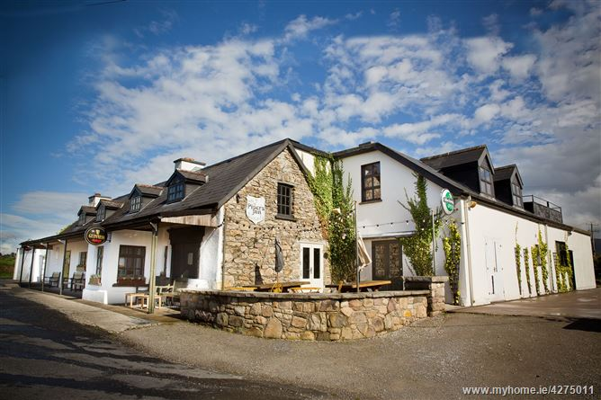 Main image for The Pipers Inn, Ballyheefy, Ogonnelloe, Clare