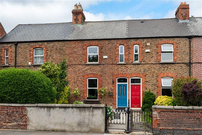 Main image for 6 Woodfield Terrace, Kilmainham, Dublin 8