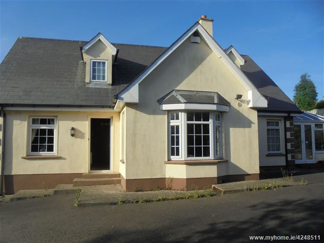 9 Watch House Village, Clonegal, Carlow