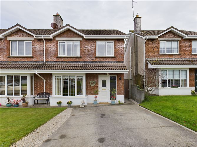 Main image for 51 Suncrest, Clarinwood, Tramore, Waterford