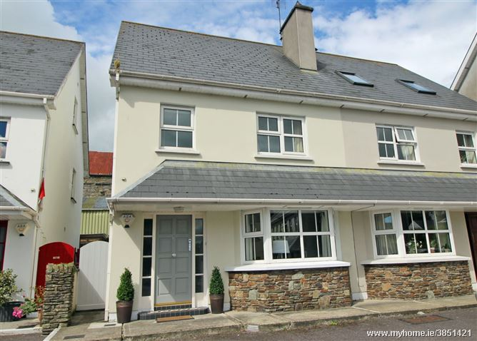 11 College Grove, Clonakilty, Cork