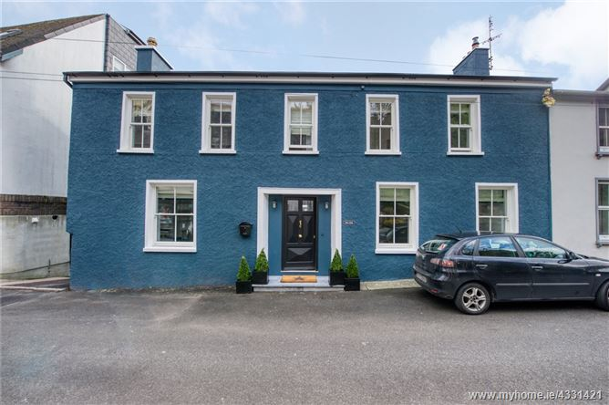 Main image for Rock Lodge, 22 Lower O'Connell Street, Kinsale, Co Cork, P17NY88