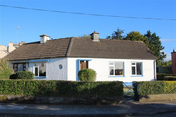 Main image for The Crescent, Banagher, Offaly, R42FE48