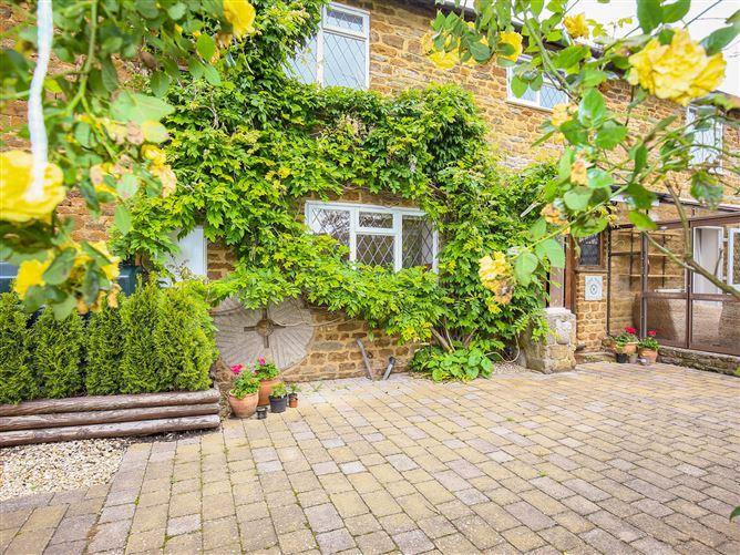 Main image for Stone Wheel Cottage, HOOK NORTON, United Kingdom
