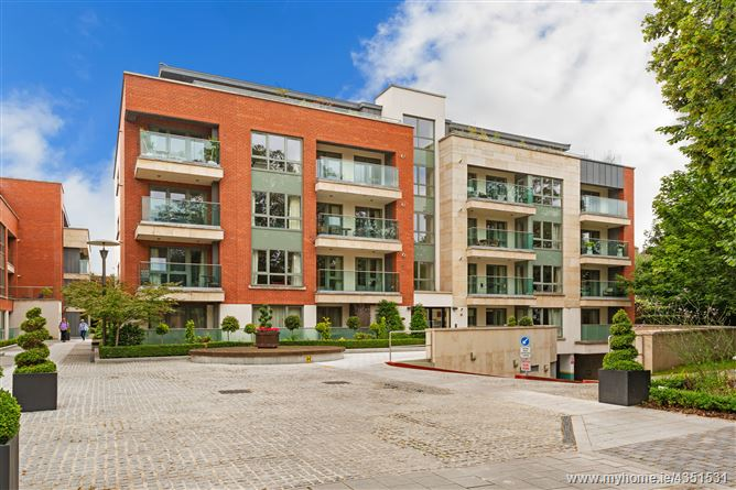 Main image for 22 Shrewsbury Square, Ballsbridge, Dublin 4