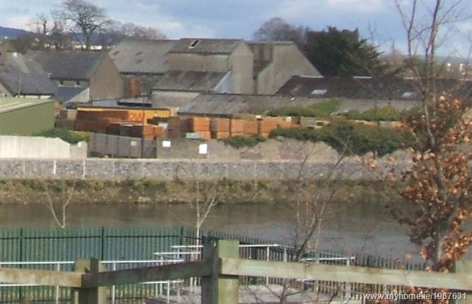 North Quay, Carrick-on-Suir, Co. Tipperary