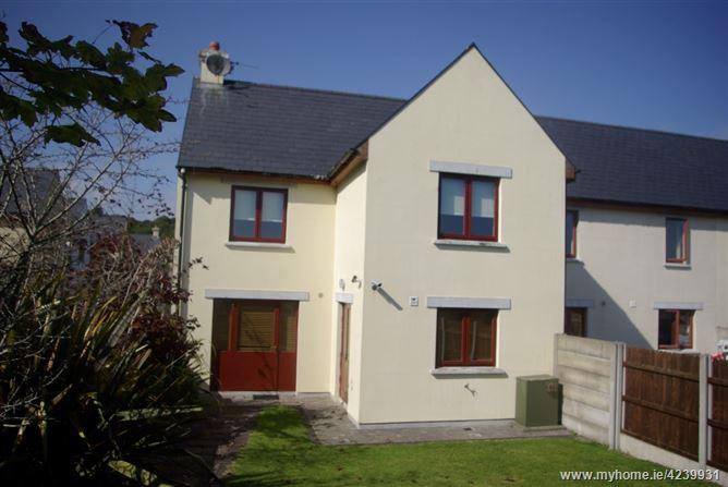 27 Parc na Fana, Union Hall,   West Cork