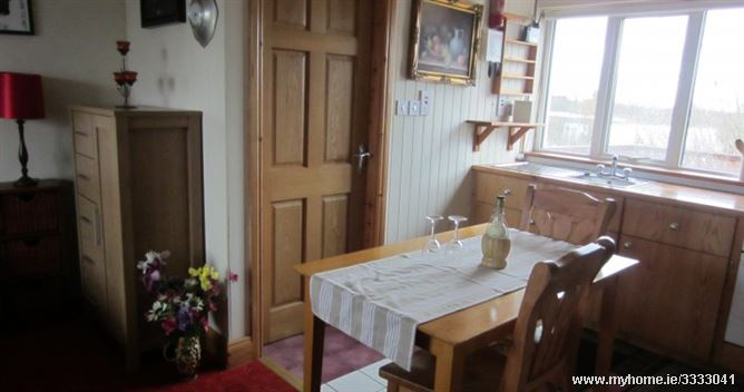 Galway Apartment for Two. Kates Cottages Barna, Galway, Ireland