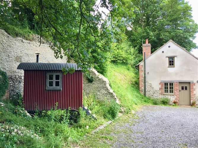 Main image for Way's Forge,Piddlehinton, Dorset, United Kingdom