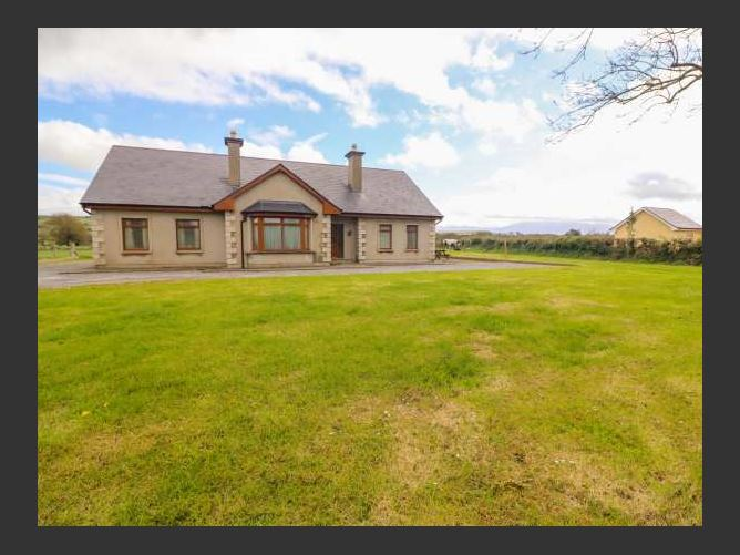 Main image for Stephen's Cottage, KILLORGLIN, COUNTY KERRY, Rep. of Ireland