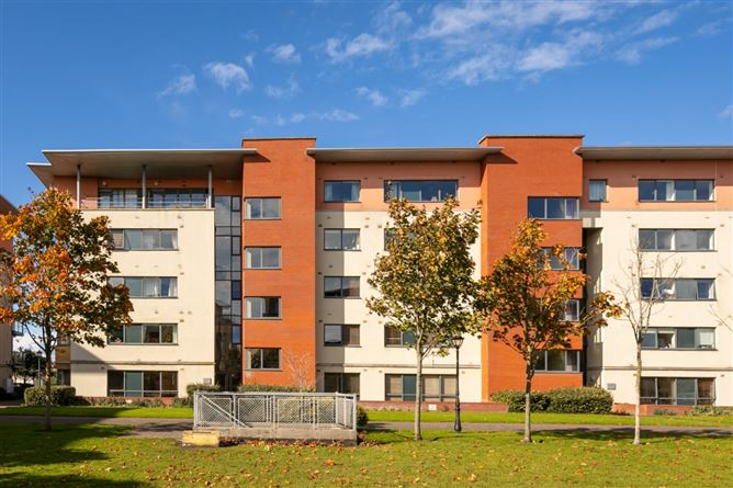 Main image for 40 West Courtyard, Tullyvale, Cabinteely, Dublin 18