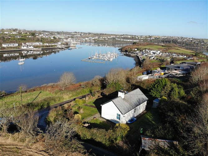 Main image for Dunrovin, Castlepark, Kinsale, Cork