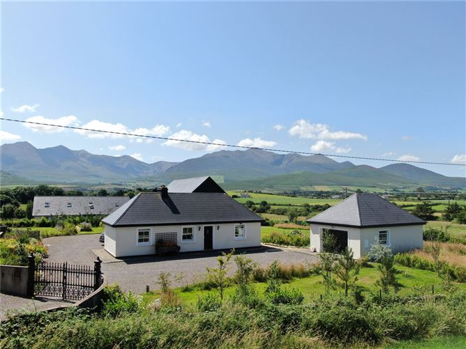 """Main image for """"Cairn Cottage"""",Cooleanig,Beaufort,Killarney,Co Kerry"""