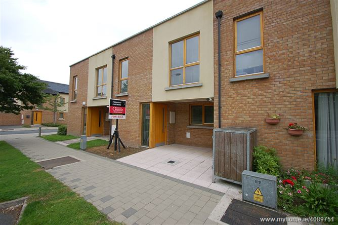 Main image of 8 Alysons Green, Lismullen Grove, Dundalk, Louth