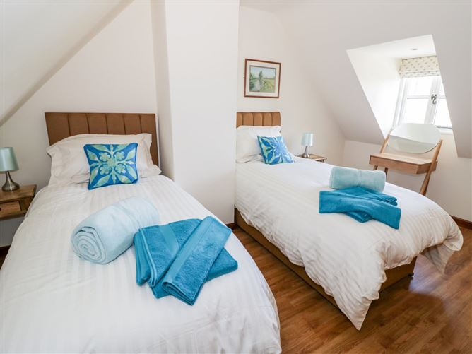 Main image for Five Mile House Barn,Cirencester, Gloucestershire, United Kingdom