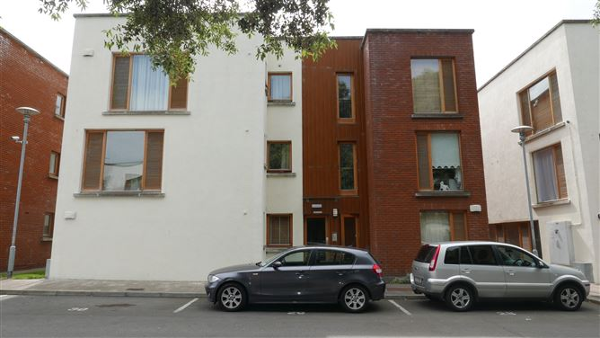 Main image for Apartment 12, Fort Ostman, Old County Road, Dublin 12, Dublin
