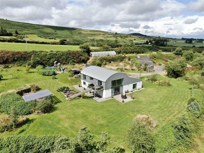 Main image for Carrigfadda Farm, Reenascreena, Rosscarbery, West Cork