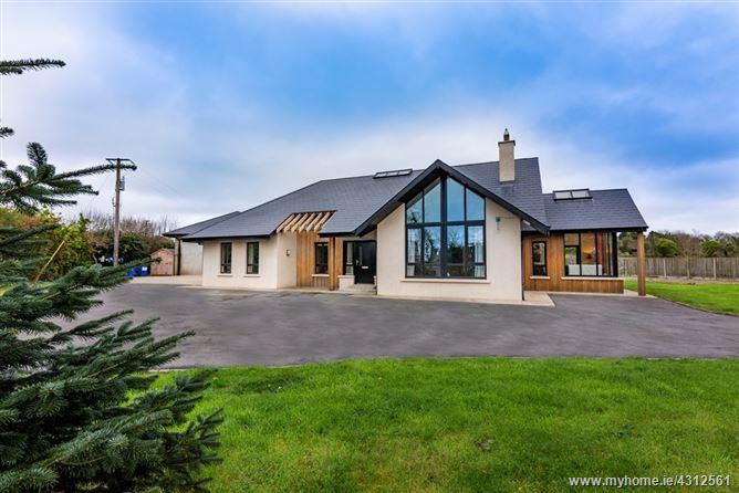 Main image for Kilnew, Ballyvaldon, Blackwater, Wexford