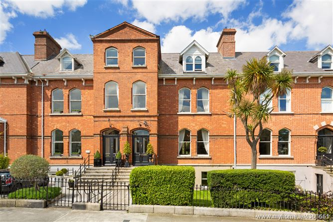 44 Belgrave Square West, Monkstown, County Dublin