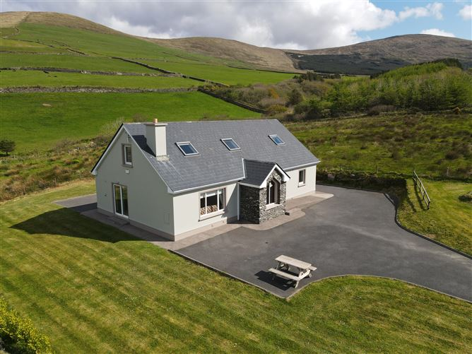 Main image for Glens, Dingle, Kerry, V92PP76