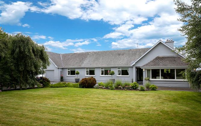 Main image for Loughstown Lodge, Loughstown, Freshford, Co Kilkenny, R95 DP90