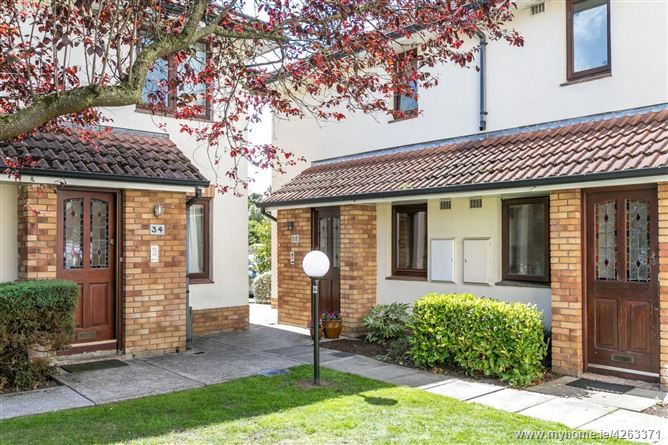 35 The Poplars, Monkstown Valley, Co.Dublin