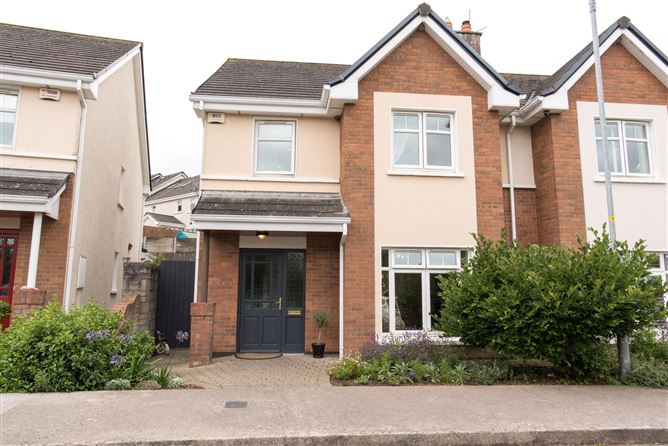 Main image for 33 The Crescent, Harbour Heights, Passage West, Cork