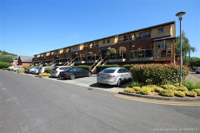 Photo of 25 Knockmaree, St. Laurence's Road, Chapelizod, Dublin 20