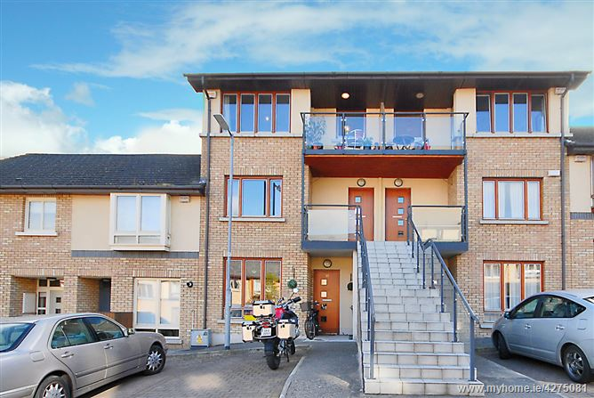 14 Belarmine Way, Stepaside, Dublin 18