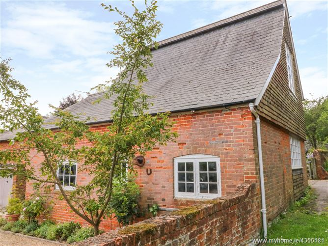Main image for Mews Cottage,Bentley, Hampshire, United Kingdom
