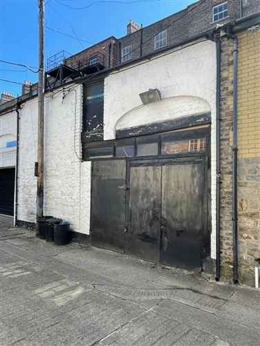Main image for Mews Rear 13 Upper Fitzwilliam Street, Baggot Street, Dublin 2, D02V045