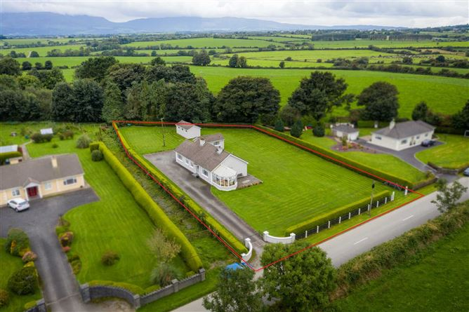Main image for Rath, Crehanna, Carrick on Suir, Co. Waterford, Carrick-on-Suir, Co. Tipperary