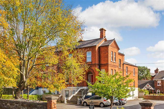 Main image for Apartment 2, 52 Castle Avenue, Clontarf, Dublin 3