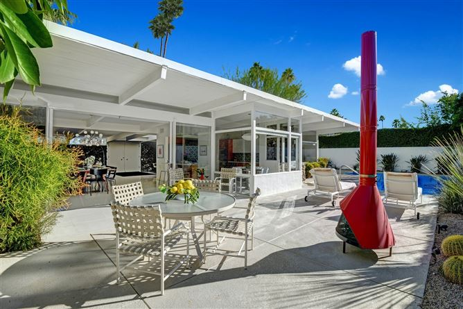 Main image for Floating Fire,Palm Springs,California,USA