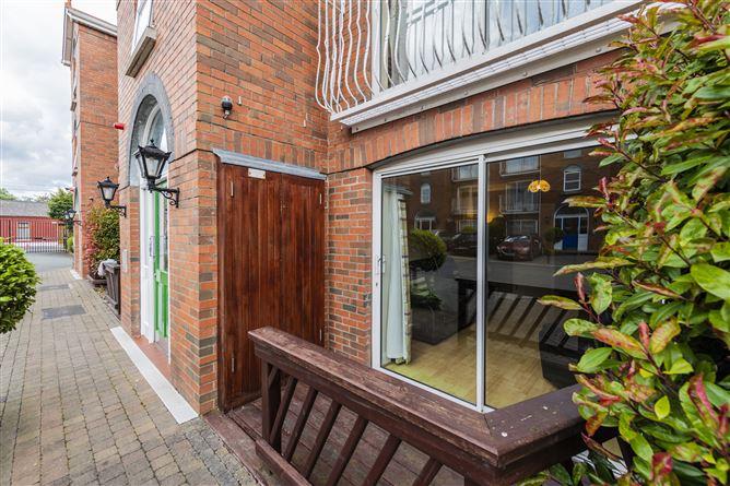 Main image for 104 DERRYNANE SQUARE, Phibsboro, Dublin 7