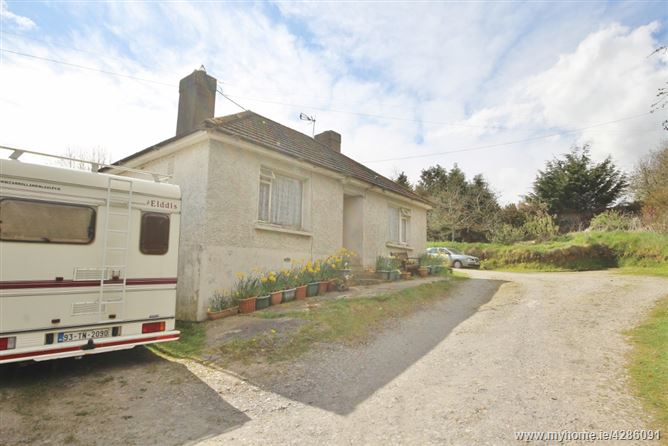 Cottage on c. 0.25 Acres/ 0.09 Ha., Monaspick, Manor Kilbride, Blessington, Wicklow