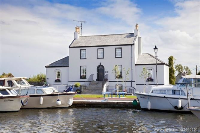 Photo of THE HARBOUR MASTERS HOUSE, SHANNON HARBOUR, Banagher, Offaly