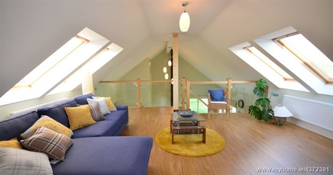 Main image for OYSTER COTTAGE ,R559,  Kerry, Ireland