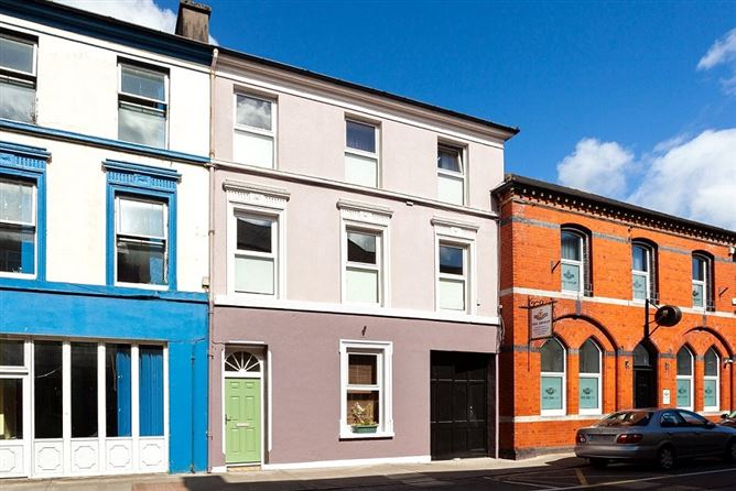 Main image for Ilen Bank House,15 North Street,Skibbereen,Co Cork,P81 XW28