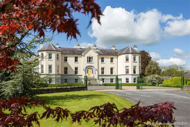 Main image for Lairakeen House, Eyrecourt, Galway