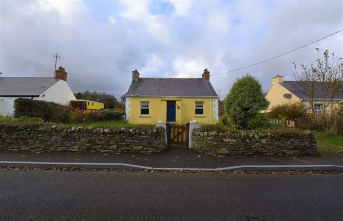 New Lake Cottage, Cottage Row, Dunfanaghy, Donegal
