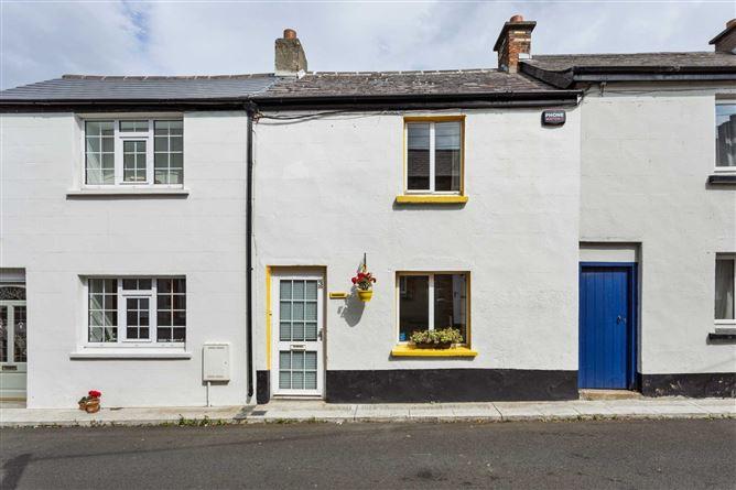 Main image for 3 Webster`s Cottages, Annaville Avenue, Blackrock, Co. Dublin
