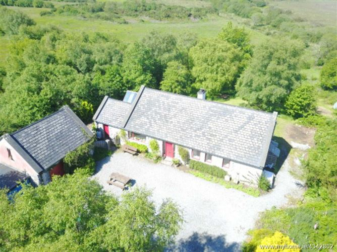 Main image for Curlew Cottage, Oughterard, Out-of-Town, Galway