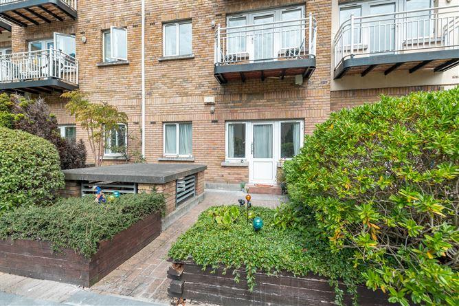 Main image for 210 Bachelors Walk Apartments, IFSC, Dublin 1