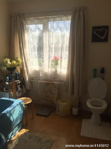Rooms to rent close to Cork city, Co. Cork