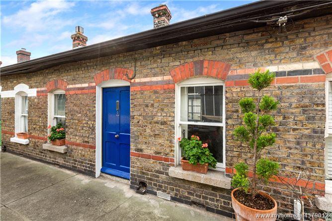 Main image for 4 Simmonscourt Terrace, Beaver Row, Donnybrook, Dublin 4, D04 R5V2
