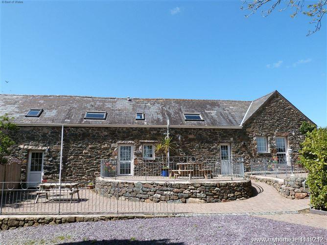 Bythynnod Sarn Group Cottages,Pwllheli, Gwynedd, Wales