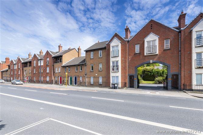 Main image for 30 Kings Inn Court, Phibsboro, Dublin 7